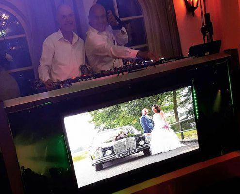 Drive in show bruiloft